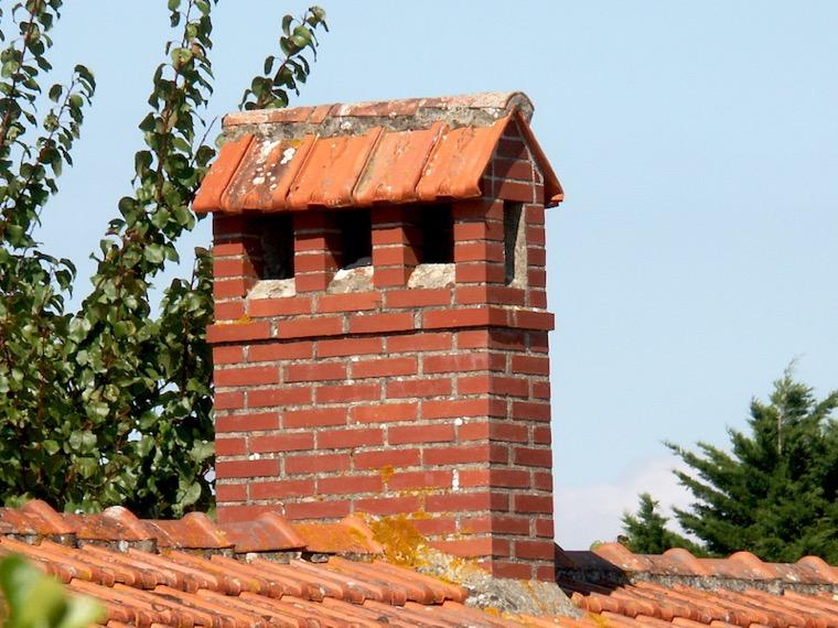 Mitre chemine perfect relooking chemine destin relooker - Chapeau cheminee terre cuite ...
